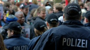man 2460186 1920 300x168 - Volksverhetzung: Straftatbestand und strafrechtliche Folgen