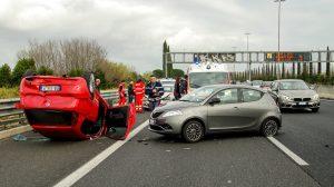 car accident 2165210 1920 300x168 - Gaffen- strafrechtliche Folgen für Schaulustige