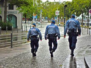 city 2189720 1920 300x225 - Schwarzarbeit – Begriff und strafrechtliche Folgen !