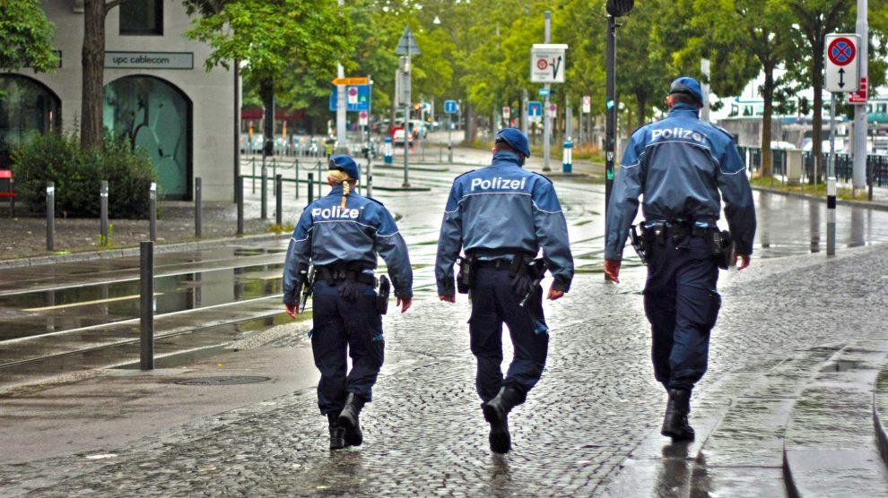 city 2189720 1920 990x556 - Schwarzarbeit – Begriff und strafrechtliche Folgen !
