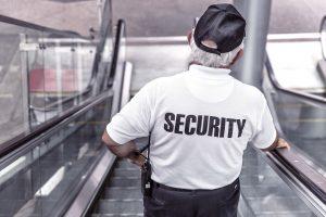 police 869216 1920 300x200 - Muss Umkleidezeit auf Arbeit bezahlt werden - Arbeitszeit ?